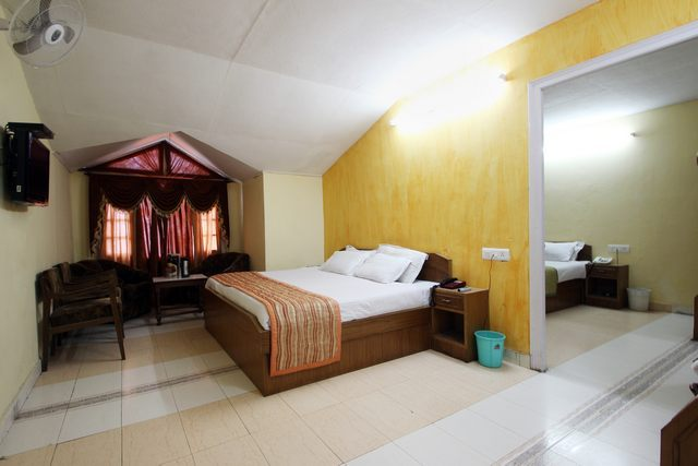 Hotel Parul Khajjiar Near Khajjiar Ground Hotel Accommodation