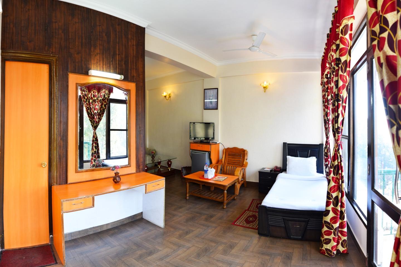Hotel President Hotel President Dalhousie Panjpula Road Accommodation Services